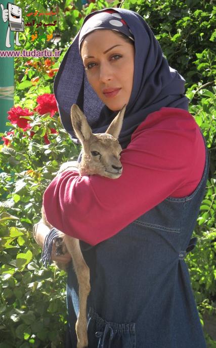 زیباترین عکسهای سارا منجزی بازیگر خوش چهره